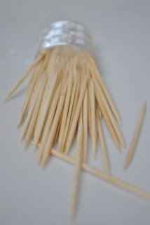 Five toothpicks per Giraffe Snack